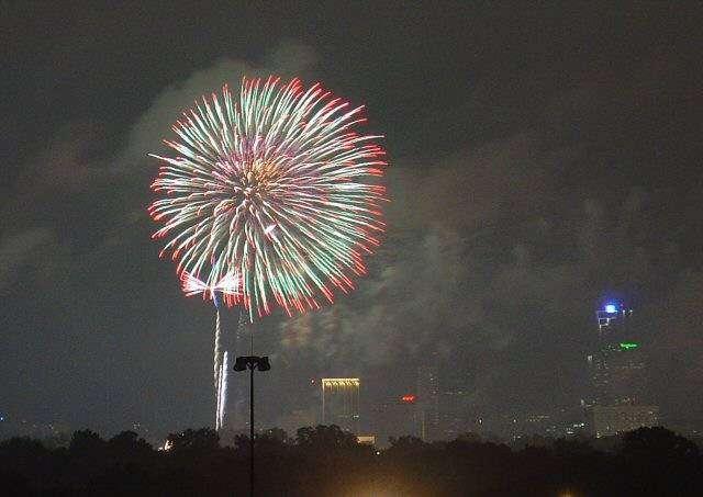 fireworks05290510rw0xr.jpg